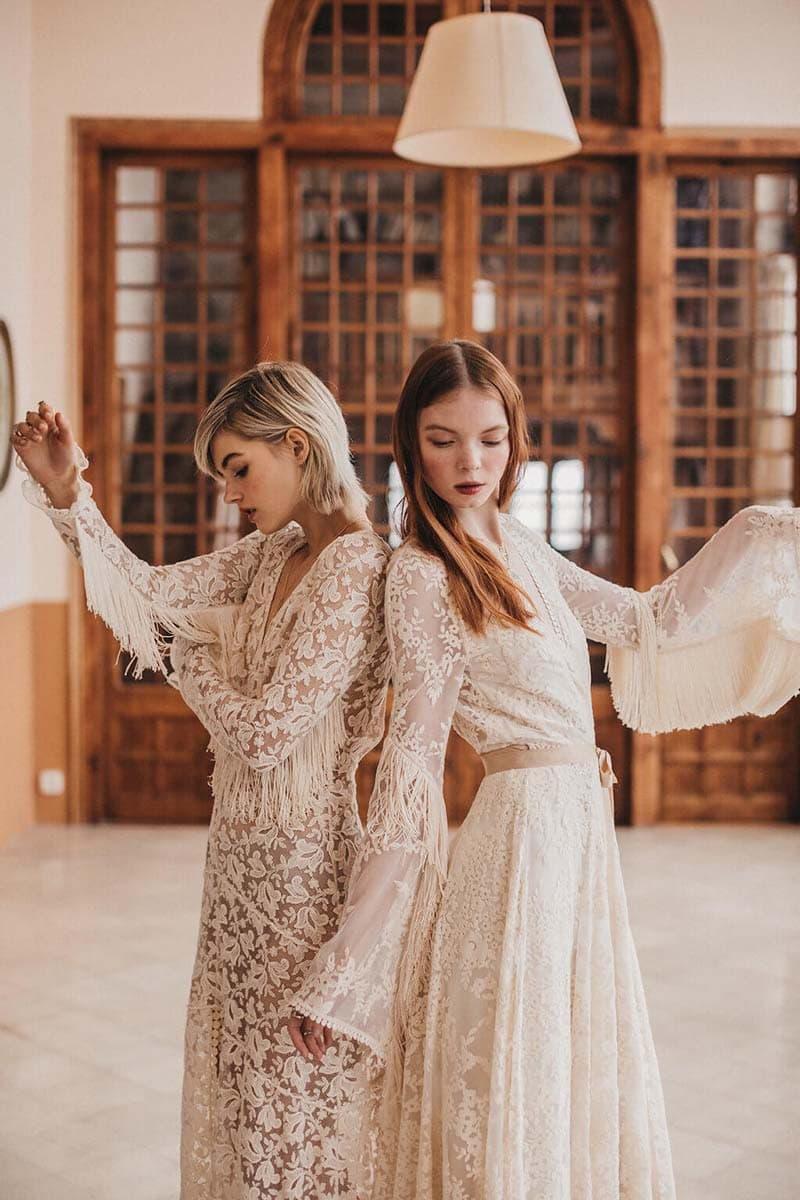 vestidos de novia vintage con flecos y mangas murciélago
