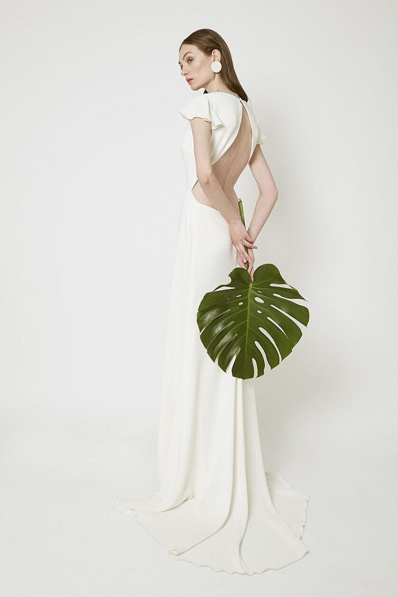 Vestido de novia con espalda escotada
