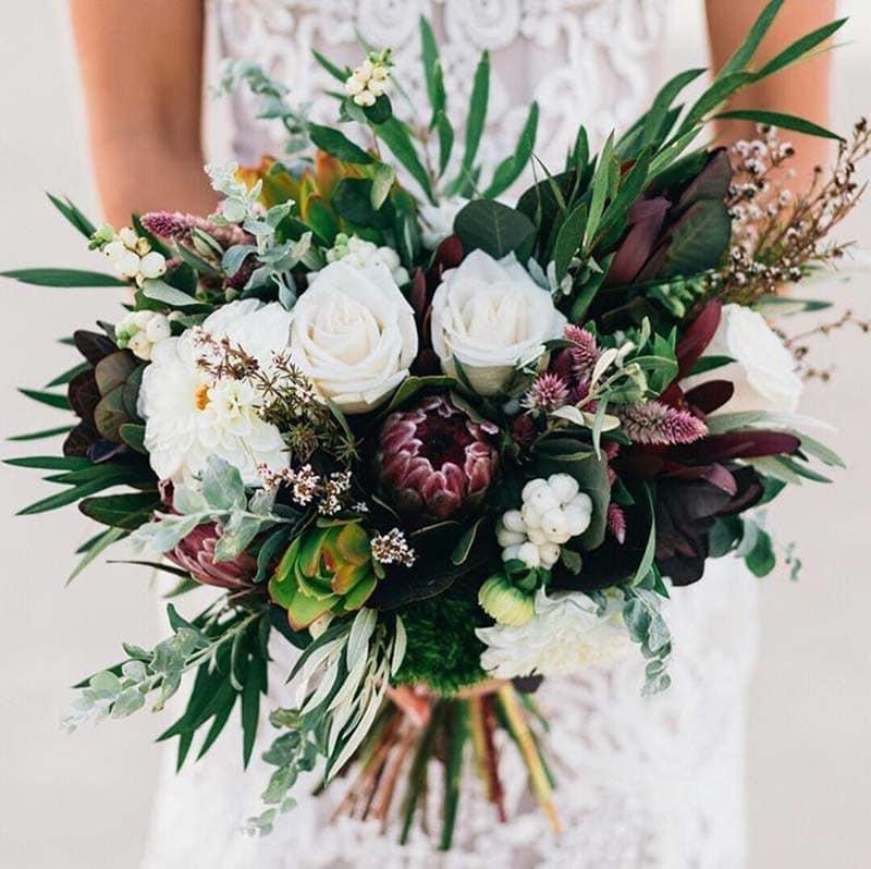ramo de novia en tonos estivales
