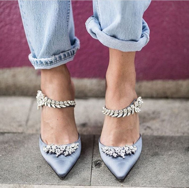 Zapatos con apliques joya para novia