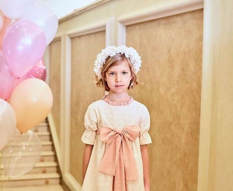 Vestido de niña de nanos