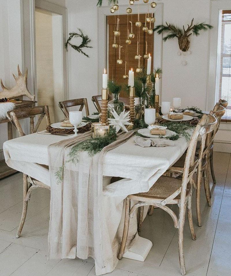 Decora la mesa esta navidad. Guirnaldas y velas a mesa